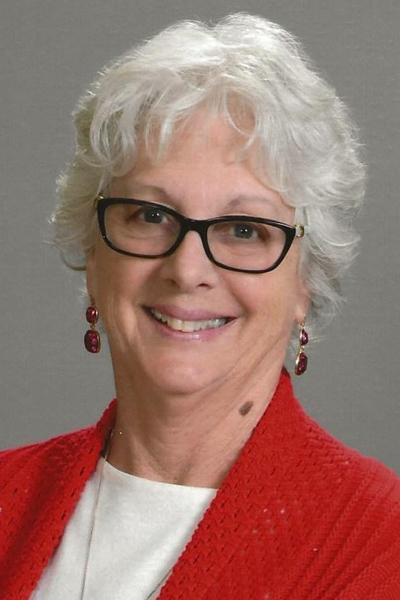 Gloria Hubbell headshot Online