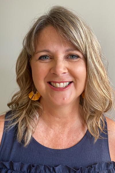 Julie Wilson headshot Online